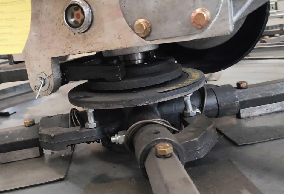Adjustment-method-for-degrees-of-Power-trowel-blade