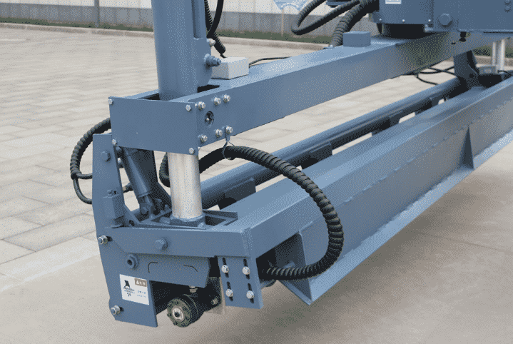 The work head of the boom laser screed