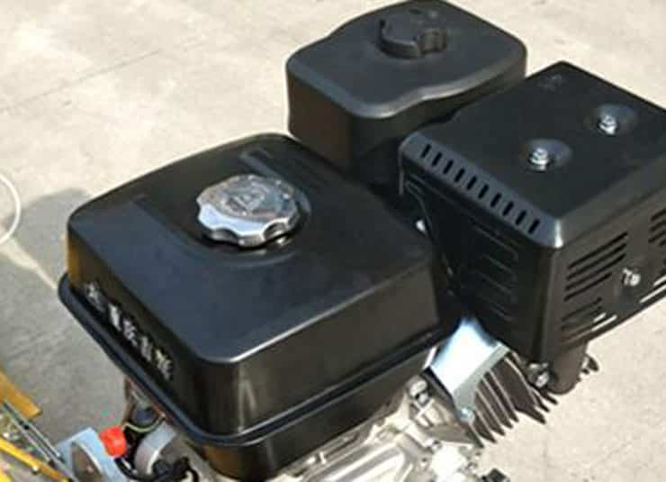 3. Honda engine is used to provide power, the vibration leveling effect is better.